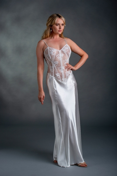03729 Lace and Silk Gown