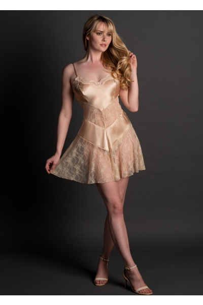 3962B silk and lace