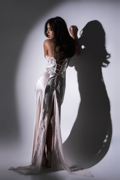 7072s Lace Up Back Silk Gown